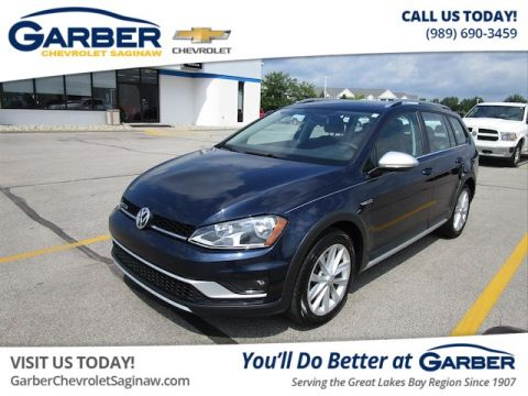 Pre-Owned 2017 Volkswagen Golf Alltrack TSI SE AWD